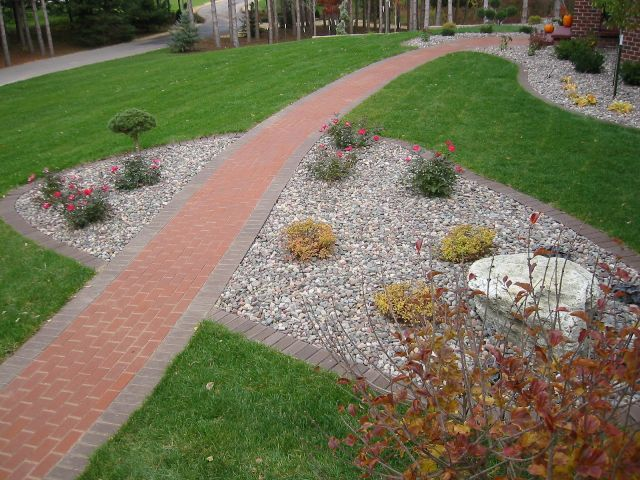 Landscaping Bushes For Wisconsin : Beds lawns wisconsin landscaping companies fox valley